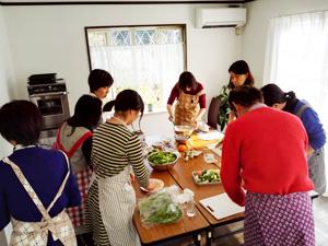 料理教室には男性の姿も